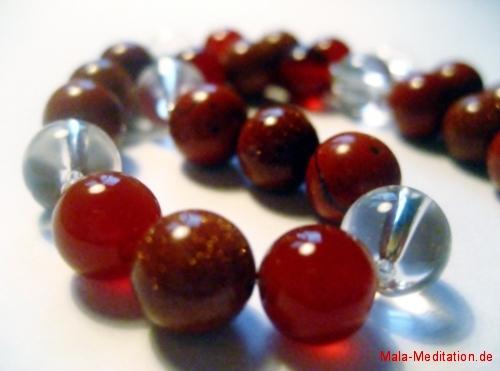 Mala aus Bergkristall, Carneol, Goldfluss und roter Jaspis